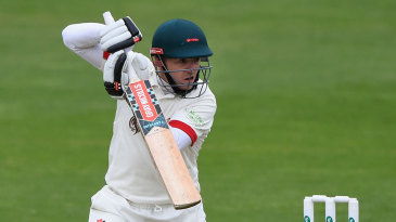 Niall O'Brien's 93 enable Leicestershire close in on Glamorgan's score