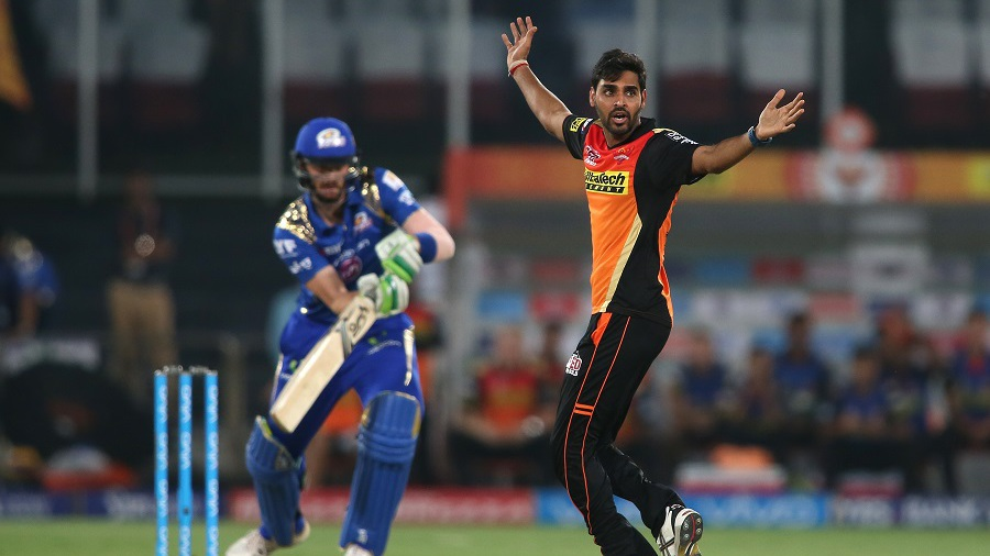 Bhuvneshwar Kumar successfully appeals for a caught behind against Martin Guptill