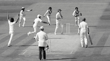 Imran Khan gets his 300th Test wicket - Jack Richards caught at forward short leg by Ijaz Ahmed