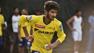 Khaleel Ahmed runs in to bowl