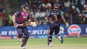 Ajinkya Rahane and Steven Smith run hard between the wickets