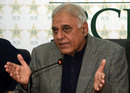 Haroon Rasheed at a press conference, January 1, 2016