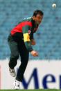 Shaun Young bowls, Victoria v Tasmania, Mercantile Cup, Melbourne, December 10, 2000