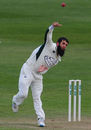 Moeen Ali braves the chill in Bristol, Gloucestershire v Worcestershire, Specsavers Championship Division Two, Bristol, April 27, 2016