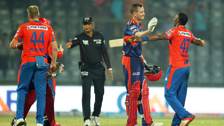 Sunil Narine's 15-ball IPL fifty powers Kolkata to victory in Bangalore