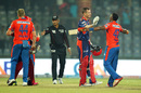 Chris Morris and Dwayne Bravo have a cordial exchange after Lions win a thriller, Delhi Daredevils v Gujarat Lions, IPL 2016, Delhi, April 27, 2016