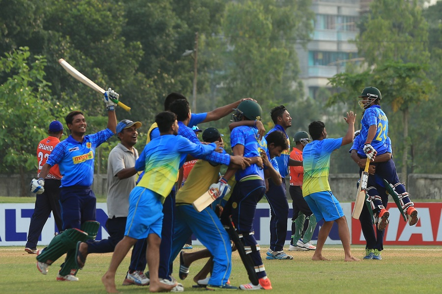 Intense competition, and a passionate fan following, has kept the DPL alive for decades. Abahani Limited celebrate their final-over victory over Brothers Union in April 2016
