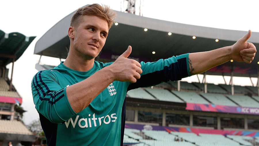 Jason Roy gives the thumbs up