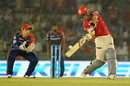 Glenn Maxwell goes over the top, Kings XI Punjab v Delhi Daredevils, IPL 2016, Mohali, May 7, 2016
