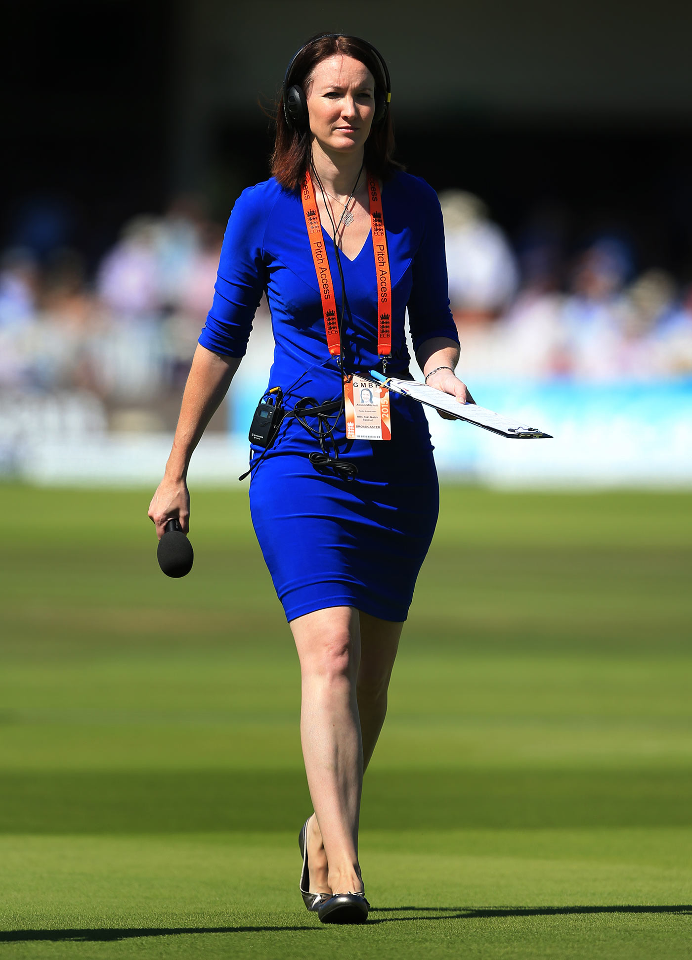 Commentator Alison Mitchell walks across the ground | Photo ...