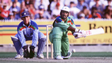 Javed Miandad plays the reverse sweep