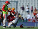 Hashim Amla takes a break to cool down, Kings XI Punjab v Sunrisers Hyderabad, IPL 2016, Mohali, May 15, 2016