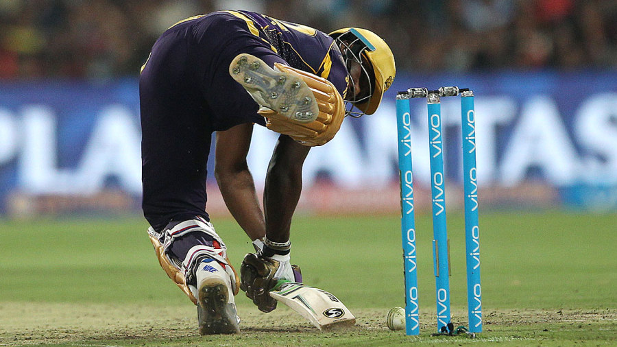 Andre Russell manages to keep out a yorker