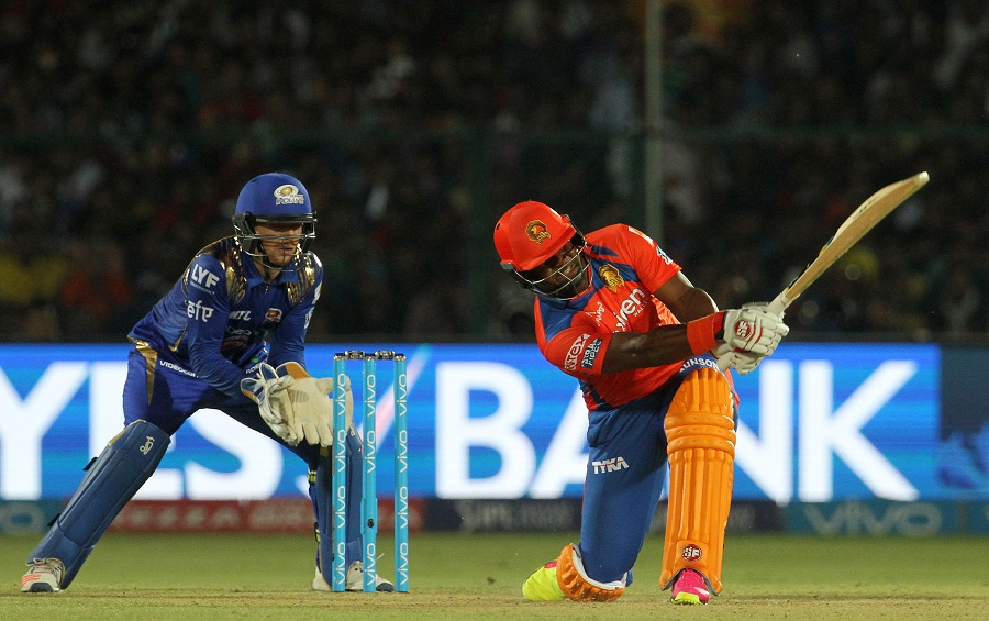 Dwayne Smith blasted an unbeaten 37 off 23 balls and shared an unbroken fifth-wicket stand of 51 with Ravindra Jadeja to take Lions to a six-wicket win with 13 balls remaining and ensure a top-two finish