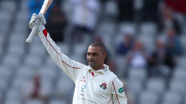 Alviro Petersen reached his first hundred of the summer
