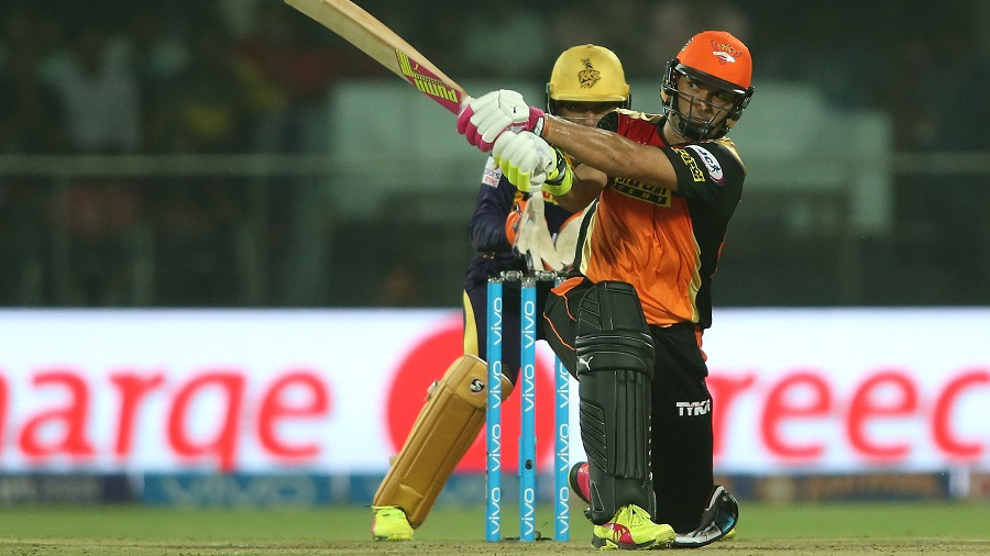 Yuvraj Singh slog sweeps en route to his 44