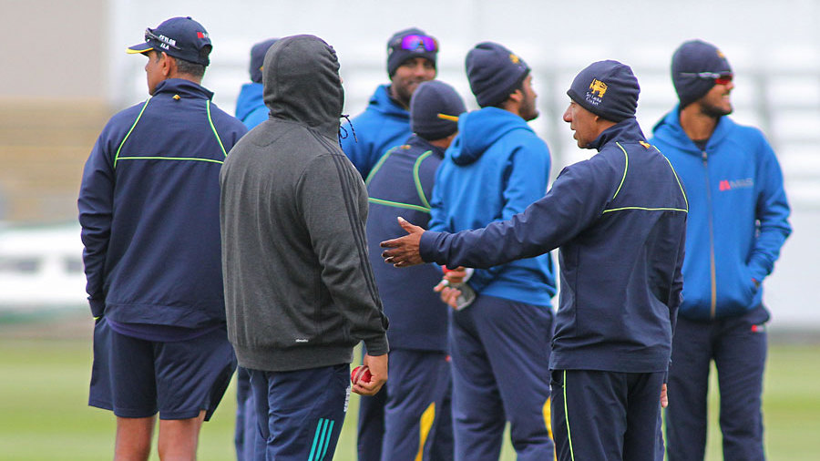 The Sri Lankans stay wrapped up