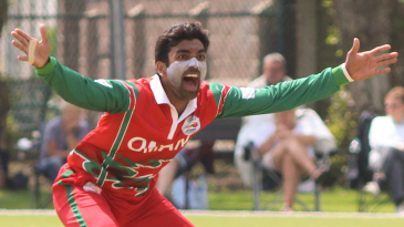 Aamir Kaleem howls an appeal for the wicket of Matthew Stokes