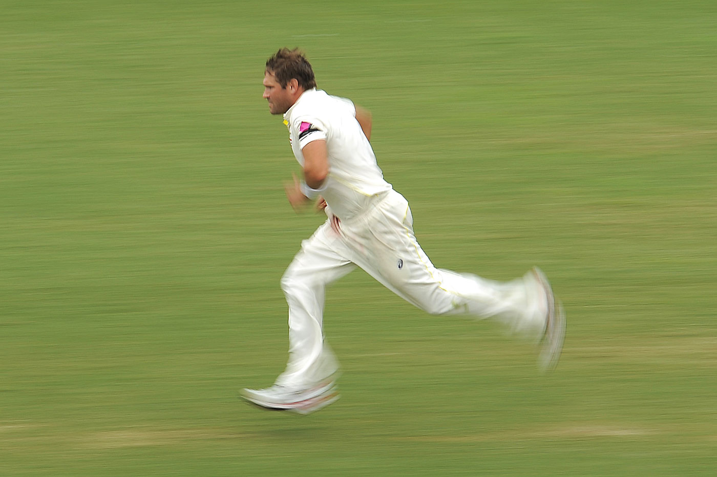 Going at the batsman early is vital for a swing bowler :    Ryan Harris, Former Australia fast bowler