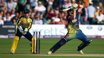 Sam Billings' 55 from 30 balls set up an 8-run victory for Kent