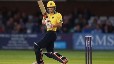 Sam Hain bats for Warwickshire