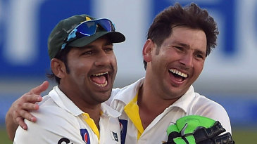 Sarfraz Ahmed and Yasir Shah celebrate a wicket