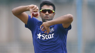 R Ashwin rolls his arm over