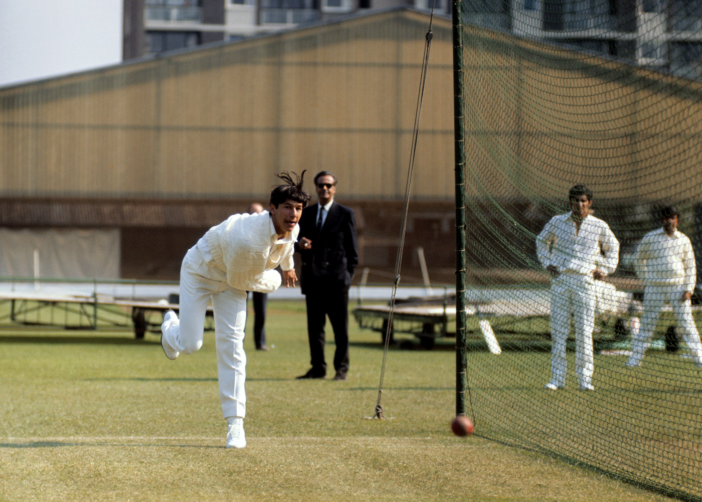 Imran Khan bowls in the nets