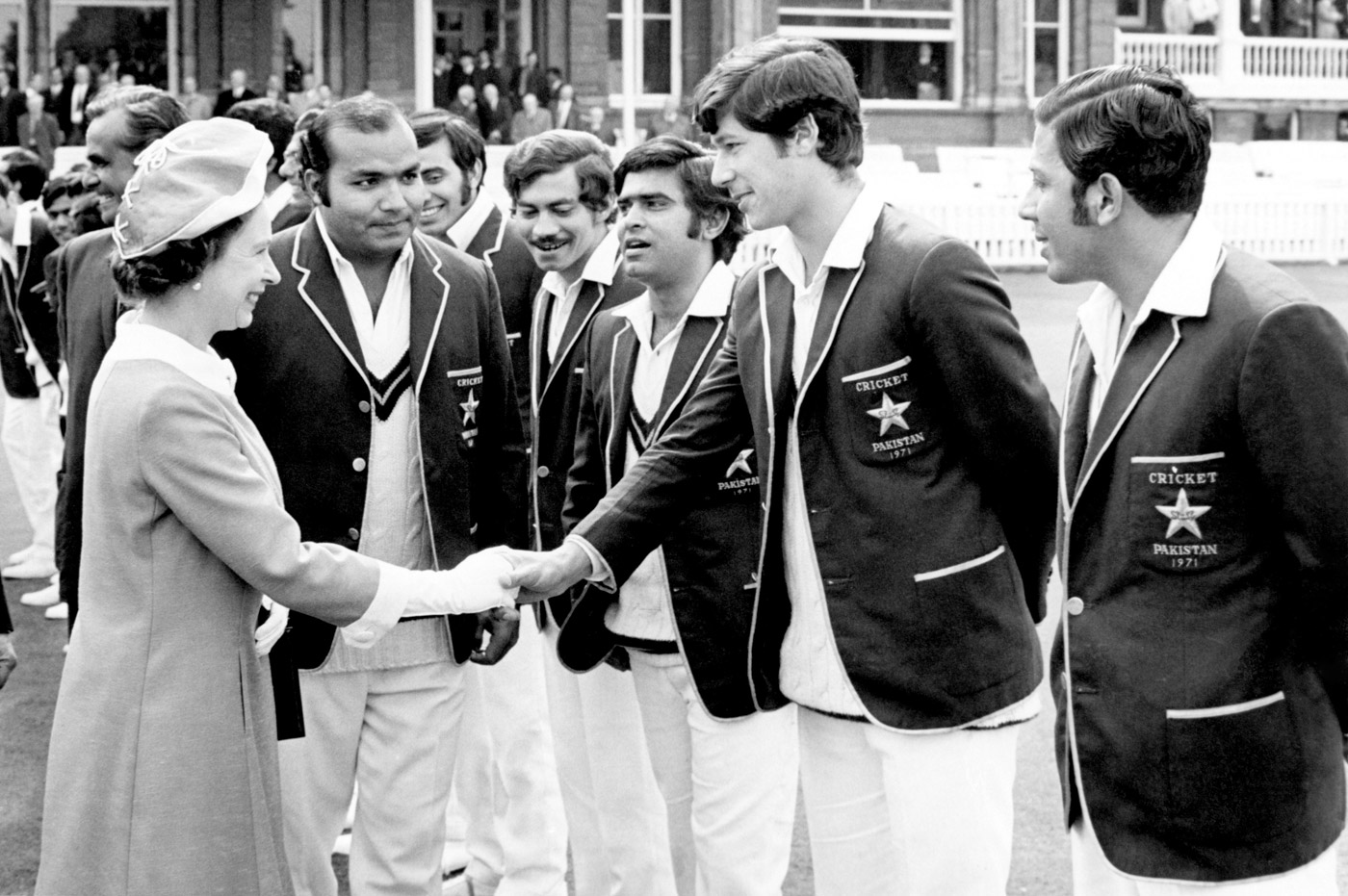 Pakistan captain Intikhab Alam introduces Imran to the Queen at Lord's