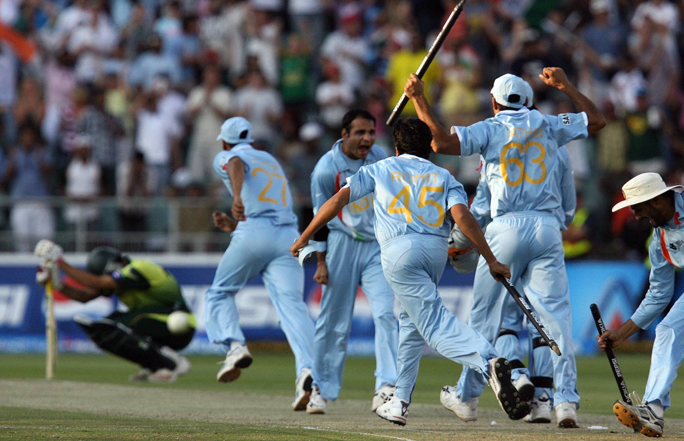 India's 2007 World T20 win: the media and the fans were always going to rate Dhoni's decision to have Joginder Sharma bowl the last over based on the result