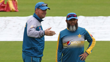 Mickey Arthur chats with Mushtaq Ahmed