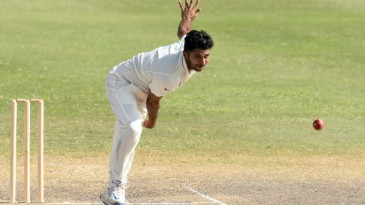 Shardul Thakur in his delivery stride
