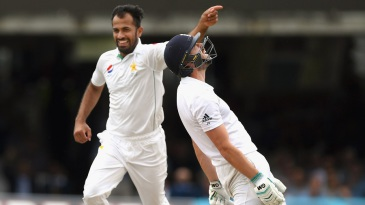 Ecstasy and agony: Wahab Riaz and James Vince display contrasting emotions