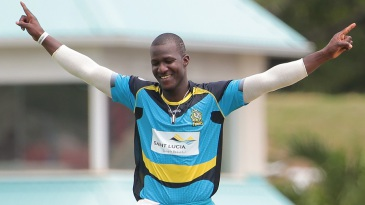 Darren Sammy bagged three wickets