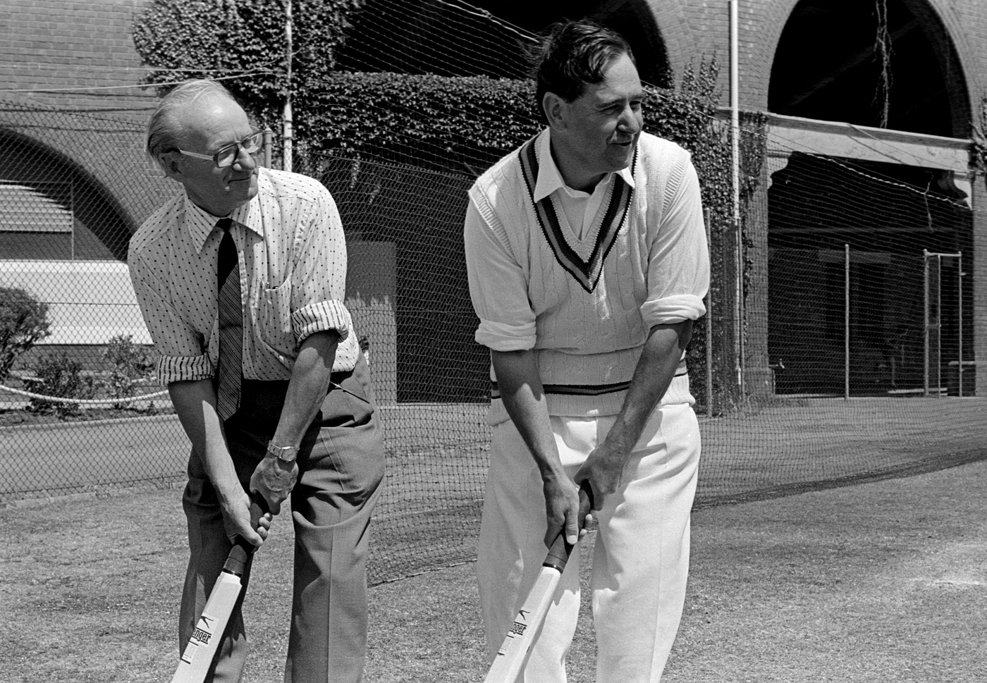 Don Bradman's grip wasn't the one prescribed by the MCC