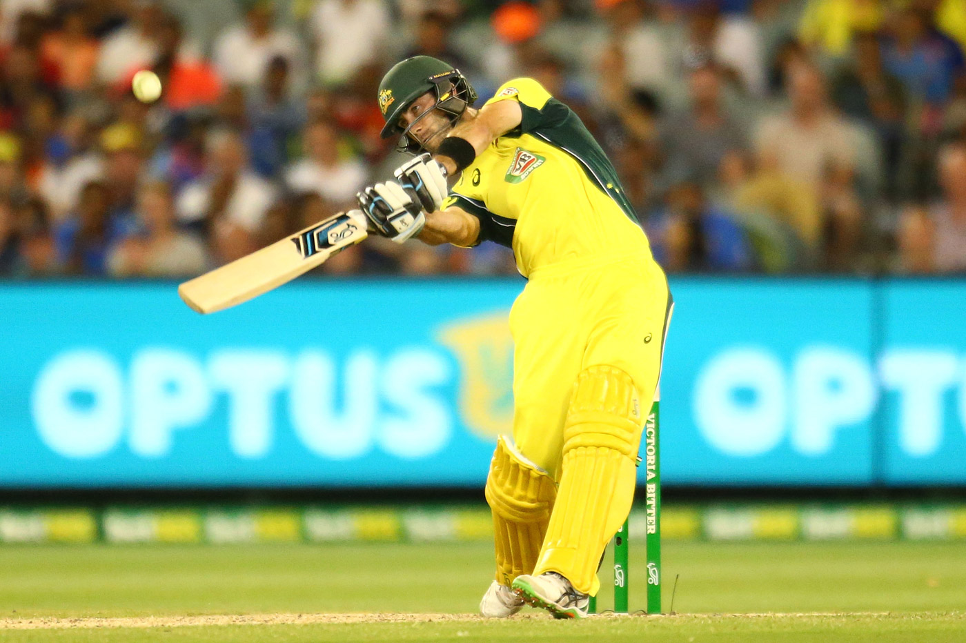 Glenn Maxwell is routinely able to hit flat, straight sixes because his top hand