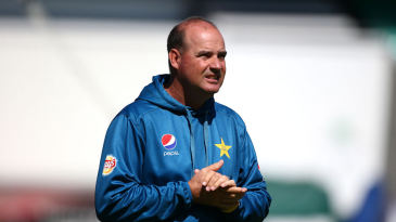 Mickey Arthur, Pakistan coach, at training