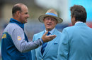 Geoffrey Boycott chats with Mickey Arthur and Mark Nicholas, England v Pakistan, 4th Test, The Oval, 3rd day, August 13, 2016
