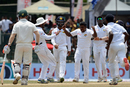 Team-mates rush to congratulate Rangana Herath after Adam Voges' dismissal, Sri Lanka v Australia, 3rd Test, SSC, 5th day, August 17, 2016