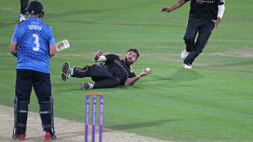 Liam Plunkett pulls off a great return catch to silence Darren Stevens