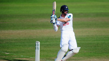 Ryan McLaren pulls as he revives Hampshire