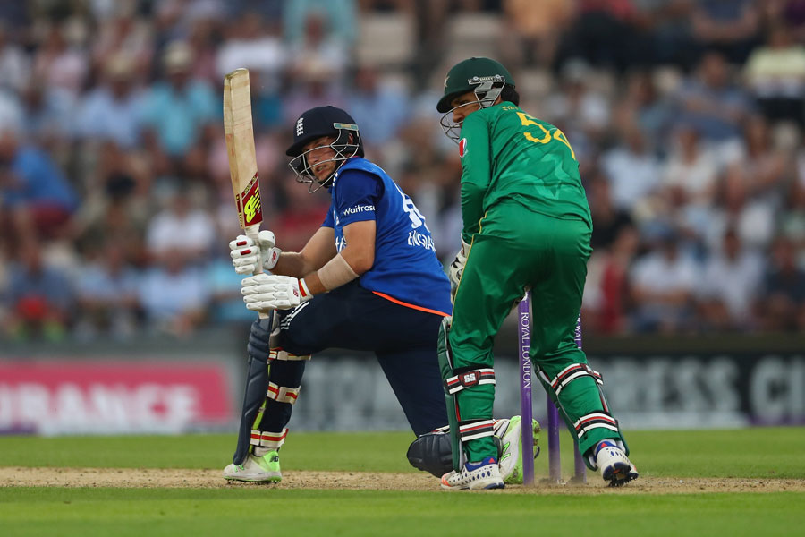 England seal comfortable 44 run victory (DLS) after Jason Roy, Joe Root fifties