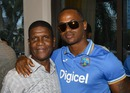 Marlon Samuels meets former West Indies batsman Lawrence Rowe, Fort Lauderdale, August 26, 2016