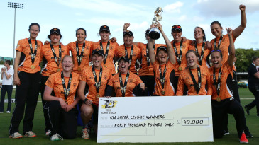 Southern Vipers celebrate their Women's Super League title