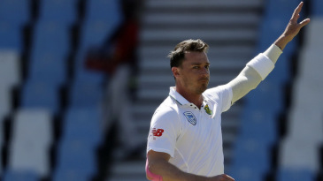 Dale Steyn struck twice in the first over of the fourth innings