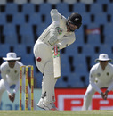 Henry Nicholls batted with resilience in the second session, South Africa v New Zealand, 2nd Test, Centurion, 4th day, August 30, 2016