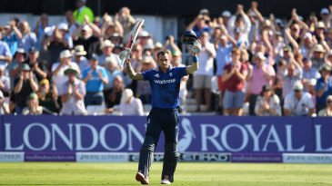 Alex Hales brought up three figures from 83 balls