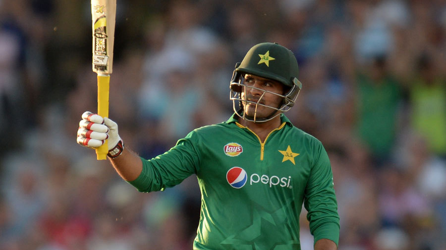 Sharjeel Khan signs for Leicestershire
