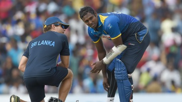 Angelo Mathews hurt his calf while batting and had to retire hurt
