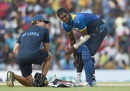 Angelo Mathews hurt his calf while batting and had to retire hurt, Sri Lanka v Australia, 4th ODI, Dambulla, August 31, 2016
